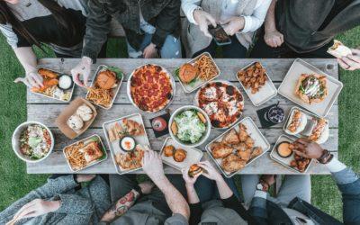 8 Λόγοι για να τρώμε όλοι μαζί